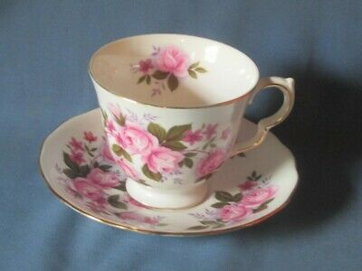 Vintage QUEEN ANNE England Bone China Rose Flowers Pattern Tea Cup Saucer Set