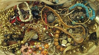 JobLot of tangled/broken costume jewellery different styles great lot 9-5-j3
