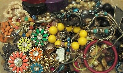 JobLot of tangled/broken costume jewellery different styles great lot 9-5-j6
