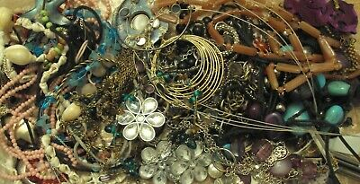 JobLot of tangled/broken costume jewellery different styles great lot 9-5-j4