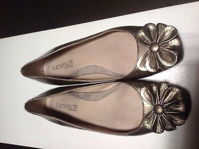 Diana Ferrari Supersoft ladies pewter flat closed shoes size 6 1/2 neutral