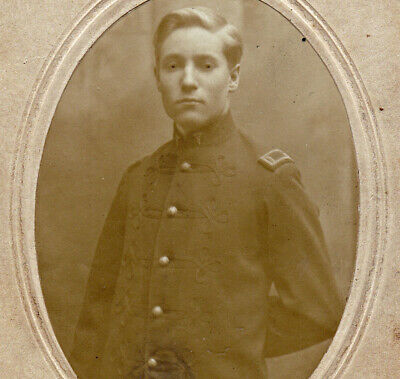 """Young """"Capt Claude Asquith"""" - 16 Regiment New York - 1910 Cabinet Photo - signed"""