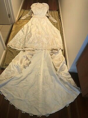 Wedding Dress Champagne / Ivory  size 10 Sateen