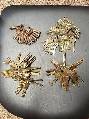 Antique Vintage Old Lot Original Key / Keys & Keys