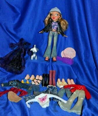 Bratz Doll Light Brown Hair, Clothes And Shoes & More...
