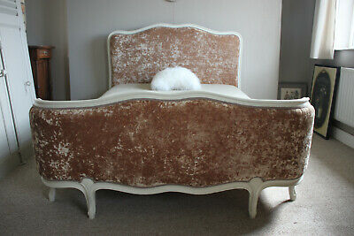 French corbeille bed with a new fabric