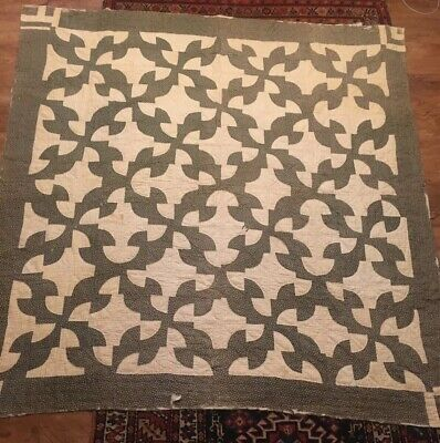 Antique Drunkards Path Calico Pieced Quilt, hand quilted 69 x 67 7 SPI ca 1900