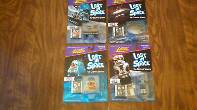Lost in Space Jupiter 2, Robot, Chariot, Space Pod Johnny Lightning MINT