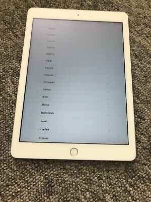 Apple iPad 5th Generation - 2017 model 32GB WiFi, 9.7in, Silver, Boxed