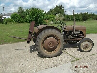 Linkage Mounted Single Bale Spike Fork Tine Round Hay Straw Tractor Loader