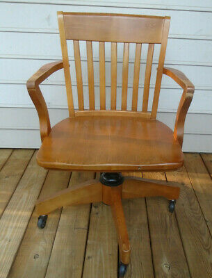 Williams Sonoma Bankers Chair  Maple Finish
