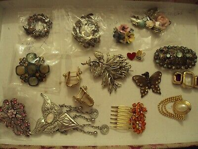 JobLot of broaches & things costume jewellery different styles great lot 25-5-j4