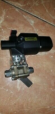 Whitey Swagelock 133-SR Pneumatic  Actuator w/SS-63TS8 Valve