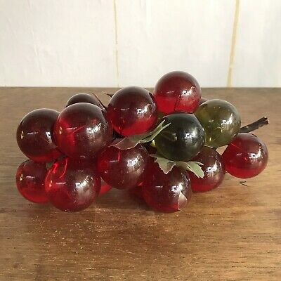 """Vintage Mid Century Retro Decor Acrylic Lucite Red & Green Grapes Cluster 11"""""""