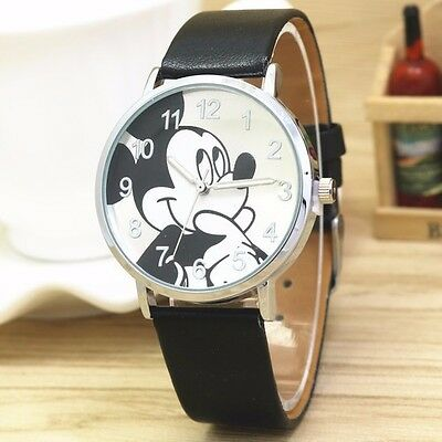 ✔️ NEW Womans New Mickey Mouse Watch / Black Band