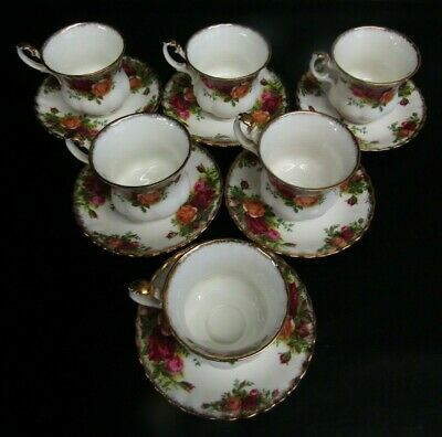 Six Royal Albert Old Country Roses Tea Cups, Saucers & Plates