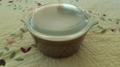 Vintage Pyrex Brown  473-B  Casserole Dish With Lid