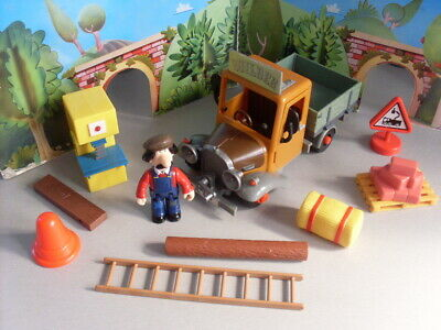 Postman Pat First Series Ted Glen And Truck  #1