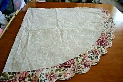 "Tablecloth Ecru White Roses Toile Pink Roses Scalloped Border Cotton 68"" Round"