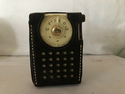 Vintage RCA Victor Portable Transistor Radio With Leather Case