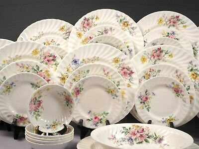 Royal Doulton ARCADIA Dinner Set Plates Bowls Platter England Bone China 42 pc