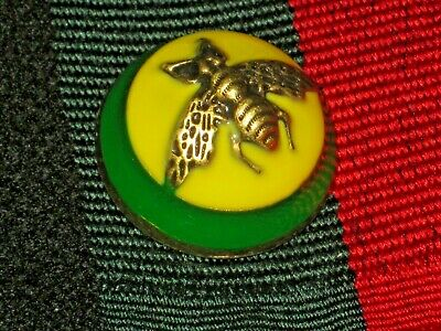 100% Gucci 🌺 button green yellow bees 23 mm dome style one  ❤️