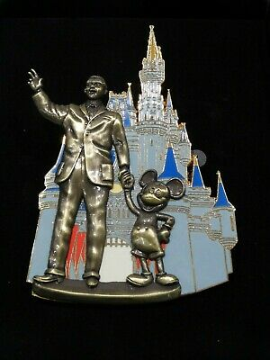 DISNEY 2005 JUMBO TRADING PIN Mickey & Walt at Magic Kingdom Disneyland w/BOX