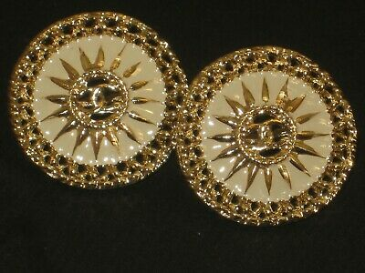CHANEL BUTTONS lot of 2 BEIGE 20 mm , UNDER 1 inch metal with GOLD cc logo