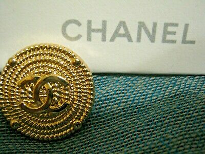 CHANEL 1 BUTTON gold   23 mm , 1 inch metal with  cc logo