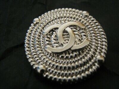 CHANEL 1 BUTTON SILVER  23 mm , 1 inch metal with  cc logo