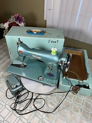 Rare 1950's Vintage Royal De Luxe Precision Sewing Machine W/Case Made in Japan