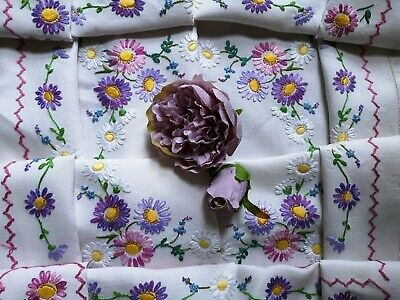 Beautiful Vintage Hand Embroidered Irish Linen  Tablecloth ~ Daisies