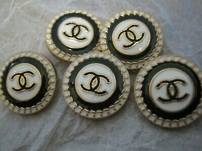 CHANEL 5 black white BUTTONS lot of 5 sz 18mm gold metal  cc logo, 5