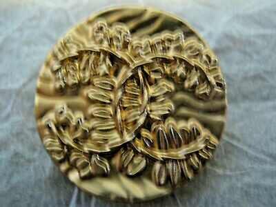 CHANEL 1 BUTTON GOLD 20 mm , BIGGER THAN 3/4 inch metal with  cc logo