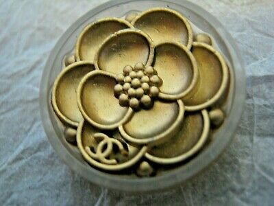 CHANEL 1 BUTTON GOLD CAMELLIA  22 mm , ABOUT 1 inch metal with  cc logo
