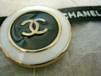 CHANEL 1 black white BUTTONS lot of 1 sz 23mm gold metal  cc logo, one