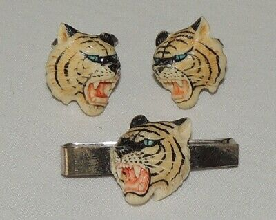 Absolutely Stunning pair of vintage Sterling Silver hand carved Tiger cufflinks.