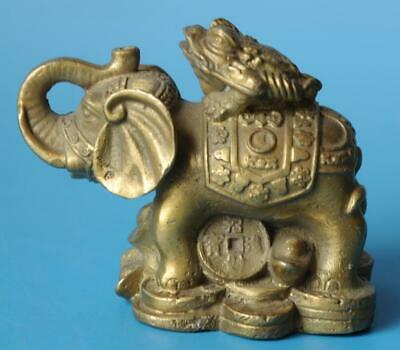 Chinese old fengshui copper hand-carved Wealth elephant toad statue d01