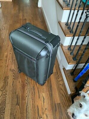 """Preowned Tumi GEN 4 Large Trip Spinner Suitcase 28"""" x 18"""" x 11"""" NVOP  $875 black"""
