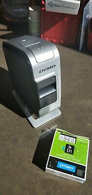 Dymo LabelManager Wireless PnP with Spare Label Cartridge