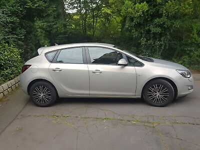 Opel Astra J 1.6 Edition
