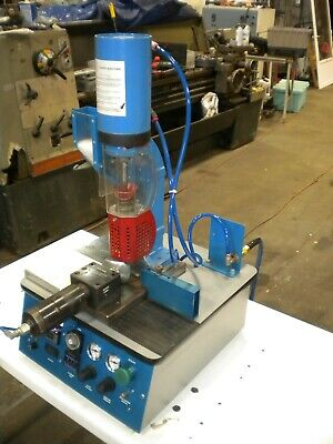 2 4 OZ INJECTION Unit VT85 Ton Cincinnati Milacron Molding