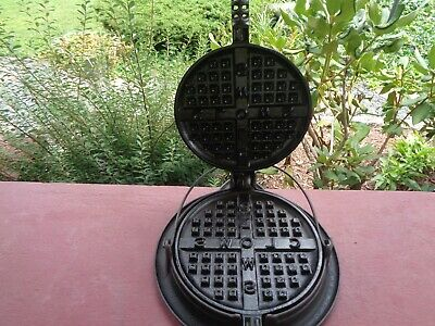 """RARE HTF Griswold Cast Iron """"CLOWS"""" Waffle Iron with ORIGINAL Base 234 & 235"""