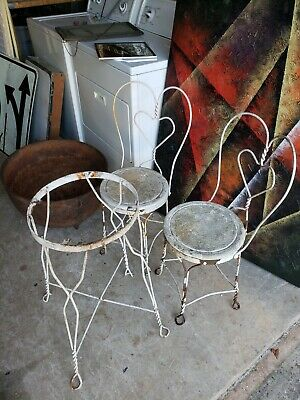 2 Vintage Ice Cream Parlor Chairs Twisted IRON METAL HEART & TABLE AS IS