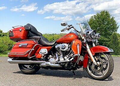 2011 Harley-Davidson Touring  2011 Harley-Davidson Road King FLHR Thousands In Extras! Beautiful Sedona Orange