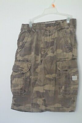 The Childrens Place boys size 10 camo cargo shorts with adjustable waist