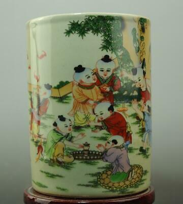 chinese old famille rose porcelain Playing Baby Paintings pattern brush pot c01