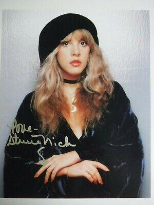 "STEVIE NICKS  SIGNED 8x10 PHOTO  ""NICE POSE"""