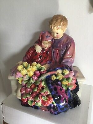 Royal Doulton Figure 'The Flower Sellers Children' Hn1342