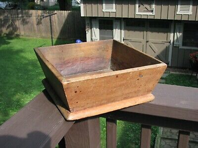 ANTIQUE WALNUT WOOD APPLE BOX / Canted Sides & Square Nails